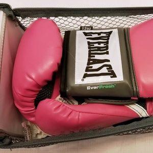 Everlast Other - NWT Everlast Pro Style Training Gloves 12OZ.
